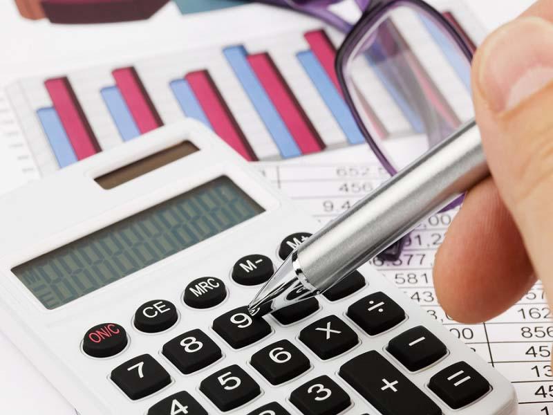 ¿He de pagar el IVA aunque no haya cobrado las facturas?